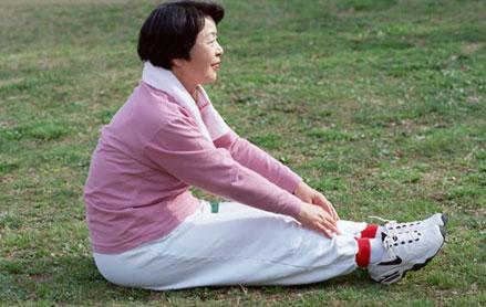 老人春季锻炼要注意自我防护
